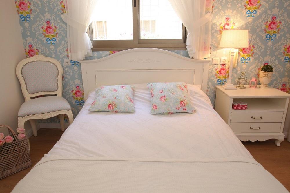 חדר שינה רך רומנטי ונשי