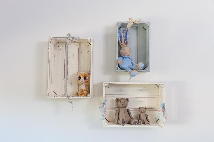 מדפי עץ לחדרי ילדים