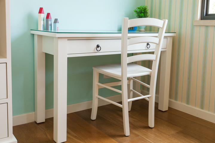 שולחן כתיבה לחדרי בנים