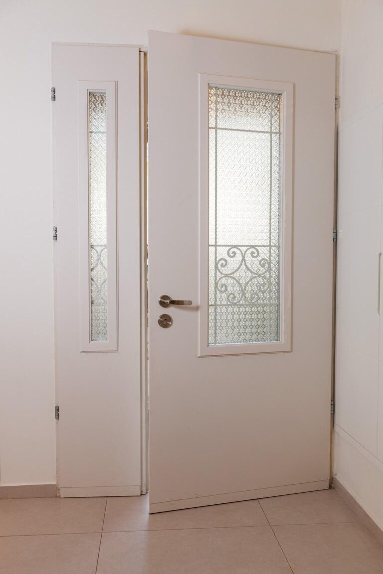 דלת כניסה של רב בריח