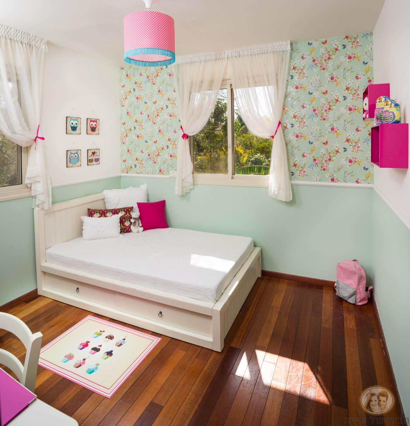 חדר לנערה בצבעי גלידה