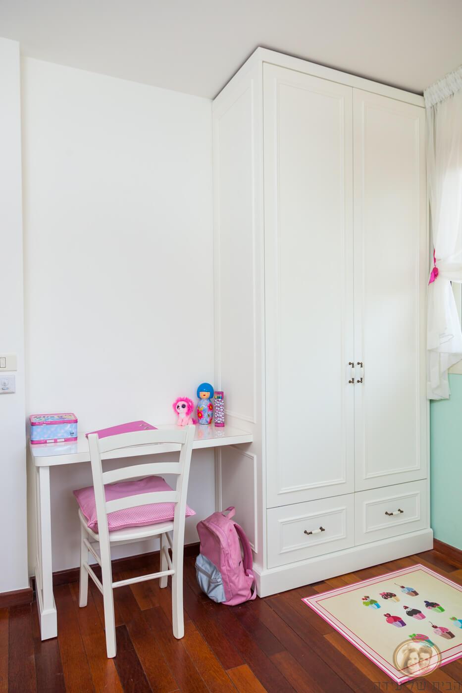 ארון בגדים לחדר ילדה