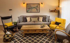 סלון עם ספה כורסה ושטיח