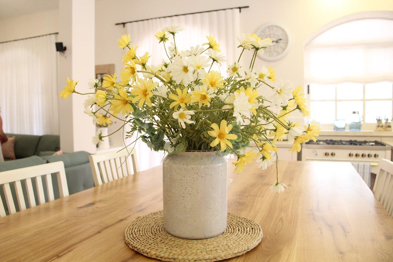 סידור פרחים מלאכותי