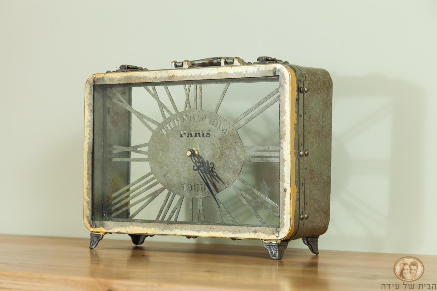 שעון מזוודה