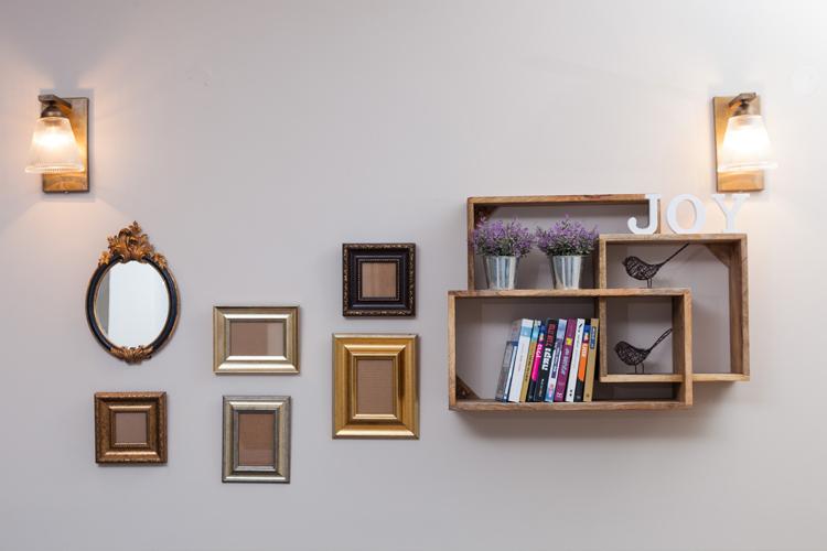 מנורות צמודות קיר סט מסגרות על קיר