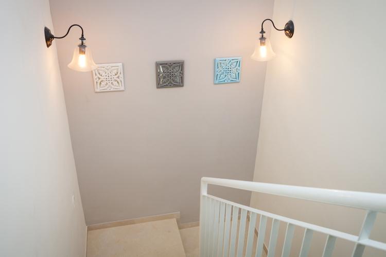 מדרגות עיצוב פנים מנורות צמודות קיר