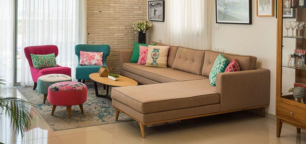 ספה פינתית בסלון