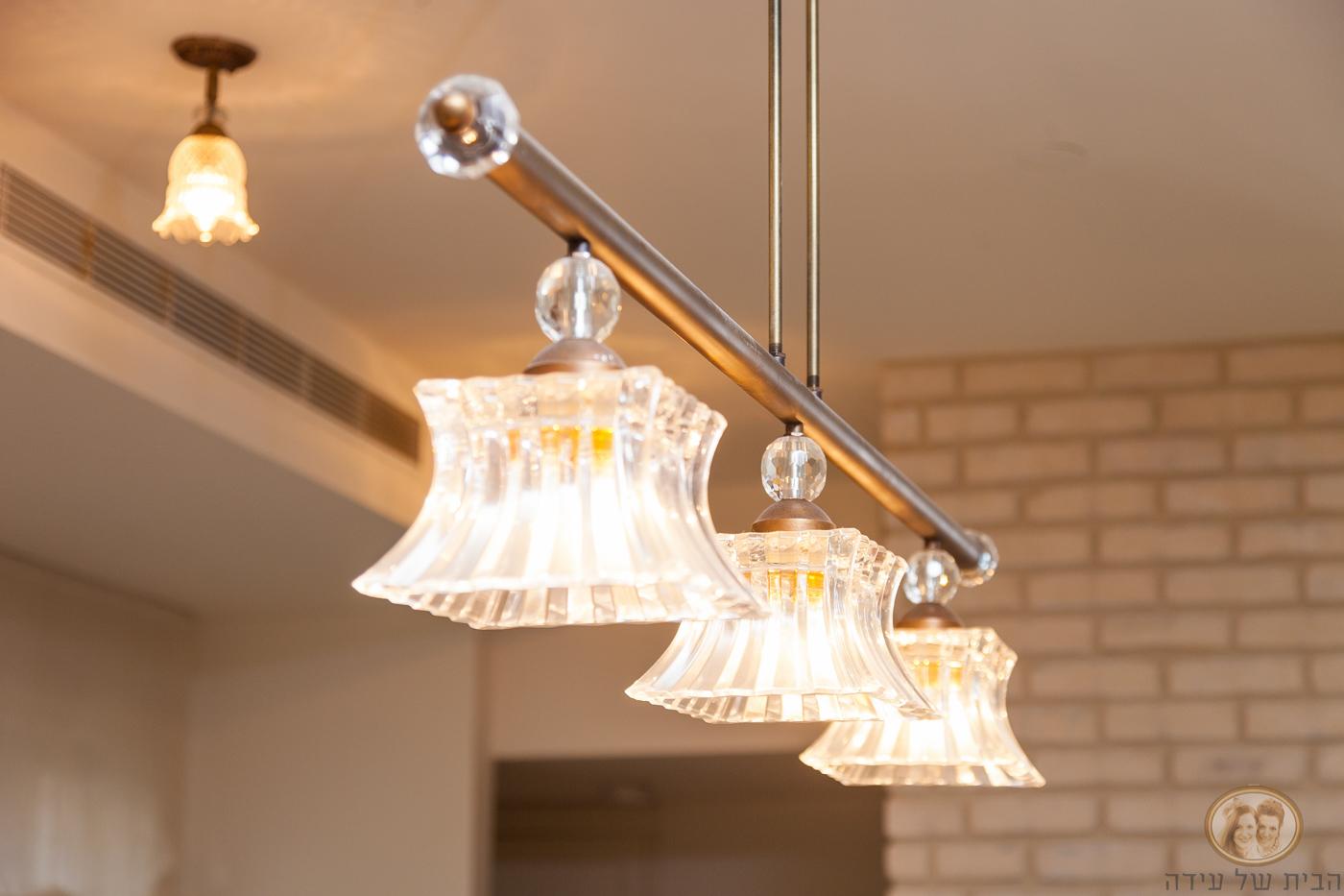 תאורה מעל אי למטבח