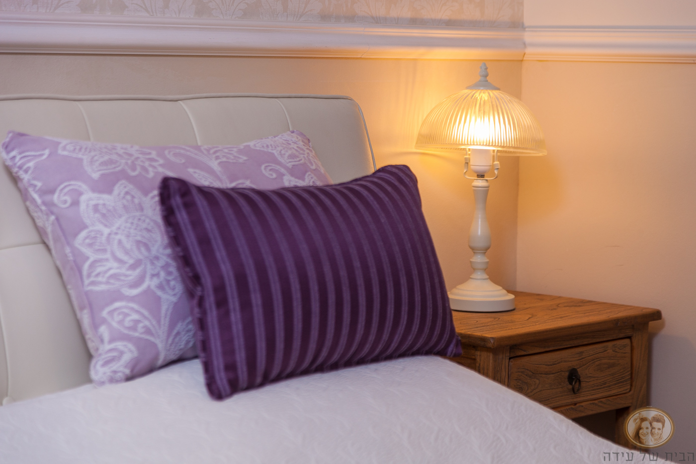 מנורת קריאה לחדר שינה