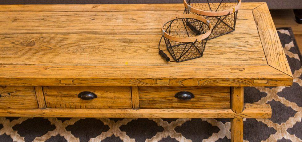 שטיח מדליונים בגווני אפור ושמנת