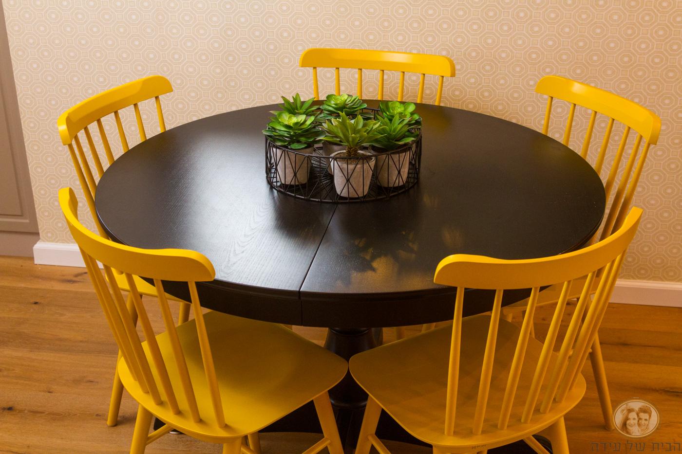 שולחן אוכל של איקאה
