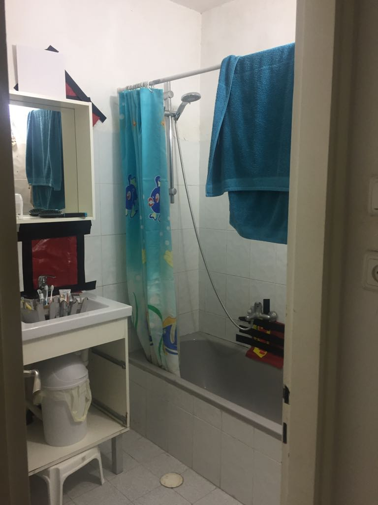 חדרי אמבטיה צבעוניים