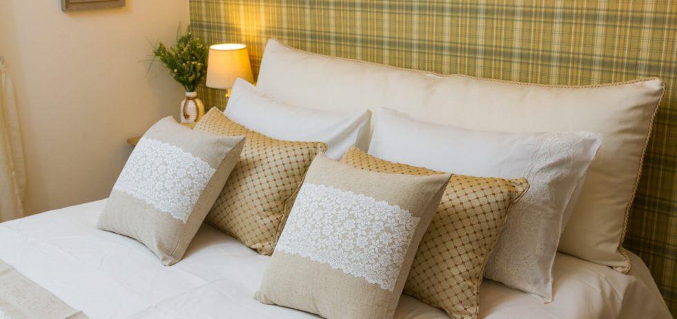 כריות מיטה מעוצבות