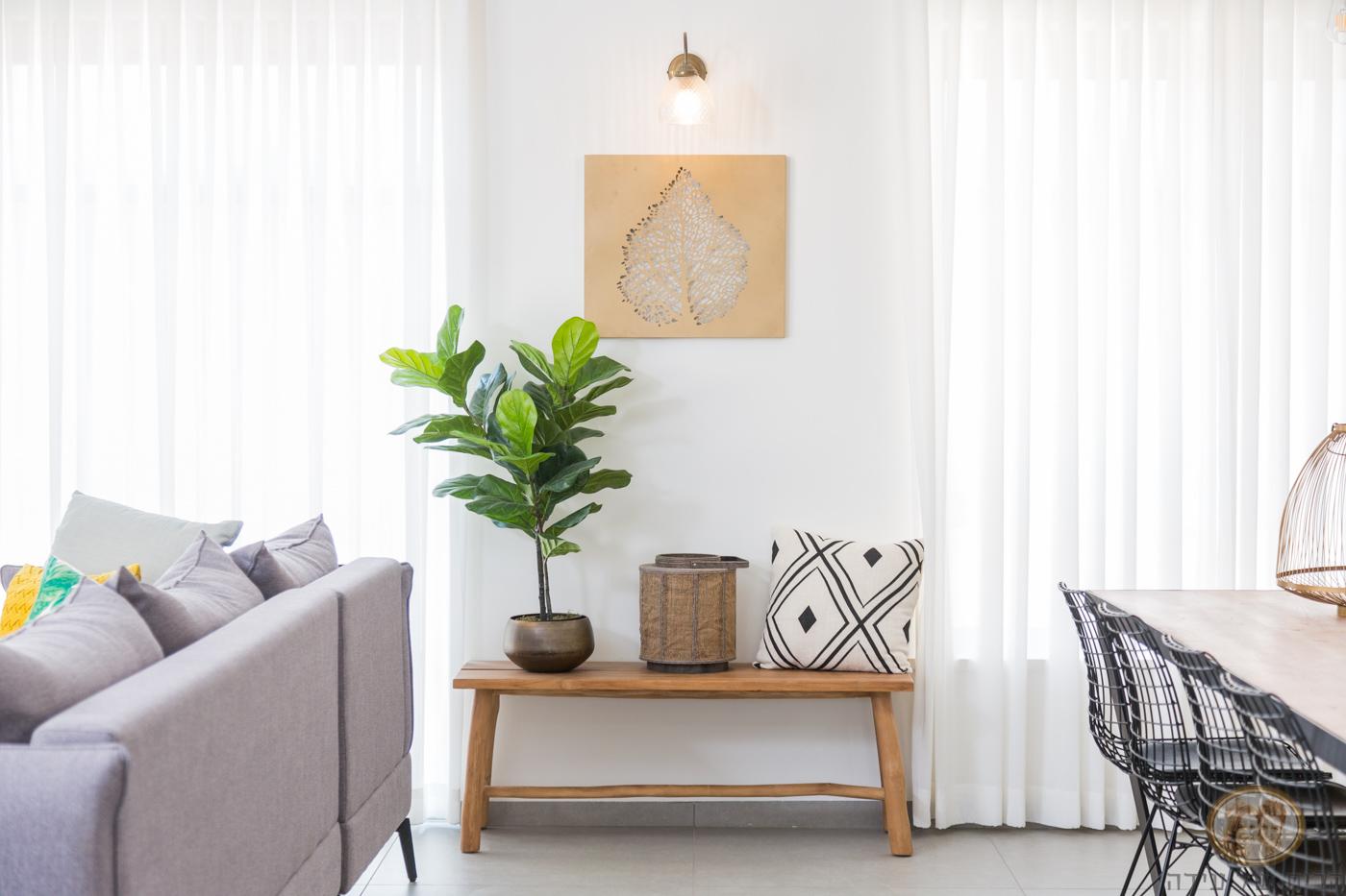 ספסל מעץ לסלון