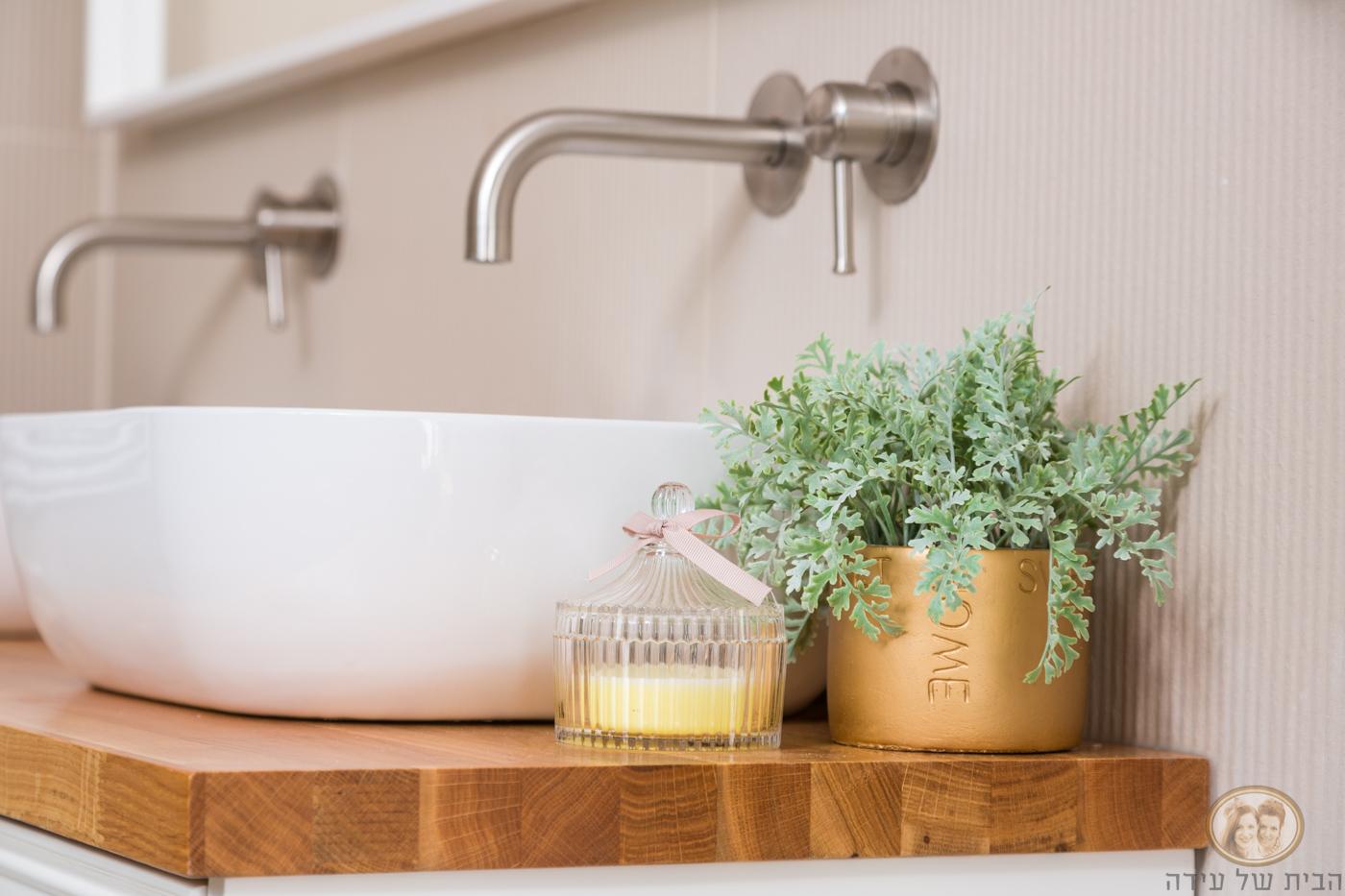 אביזרי עיצוב לאמבטיה