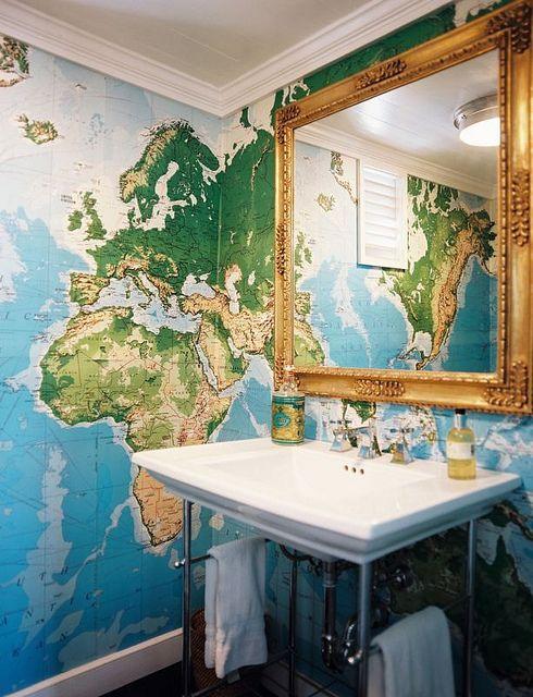 מפת עולם בשירותים