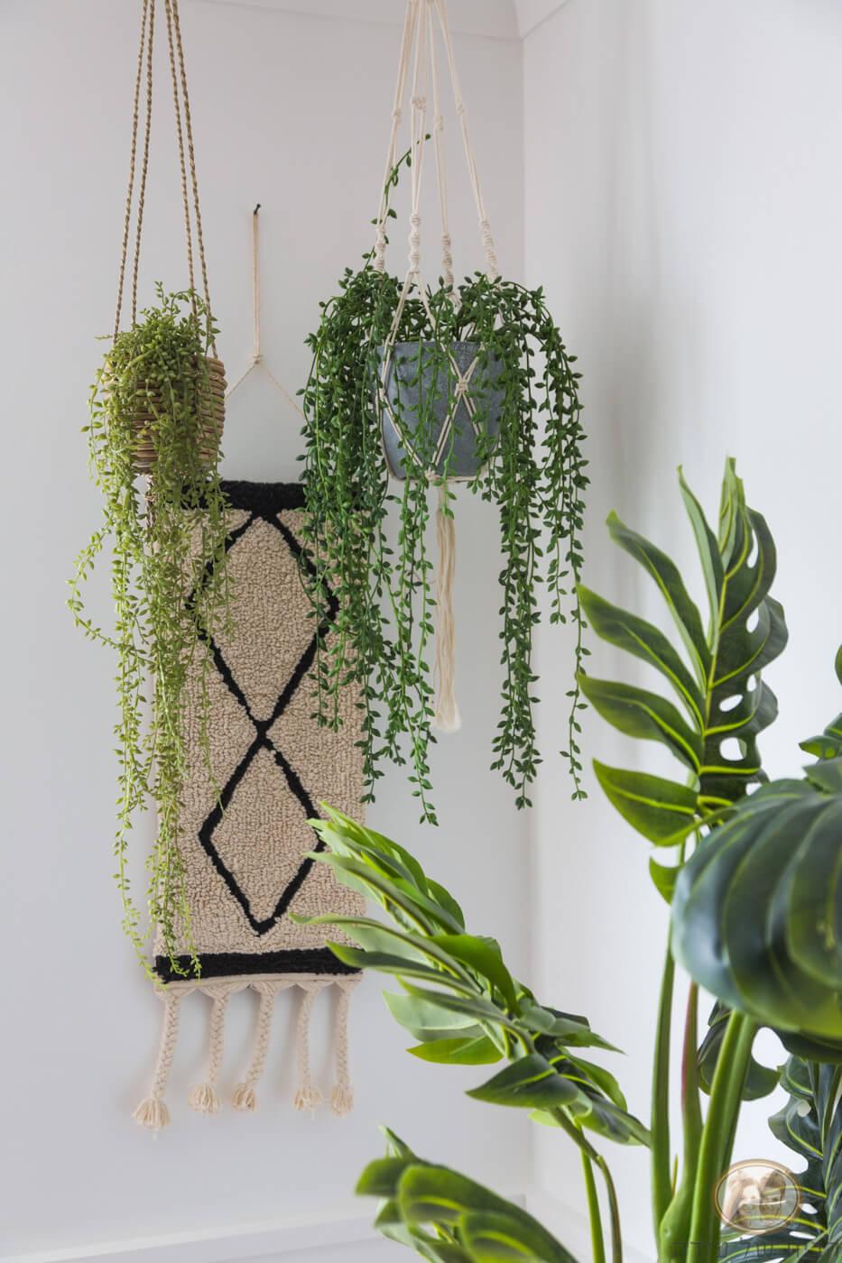 עיצוב בית בסגנון נורדי שמוש בצמחיה מלאכותית