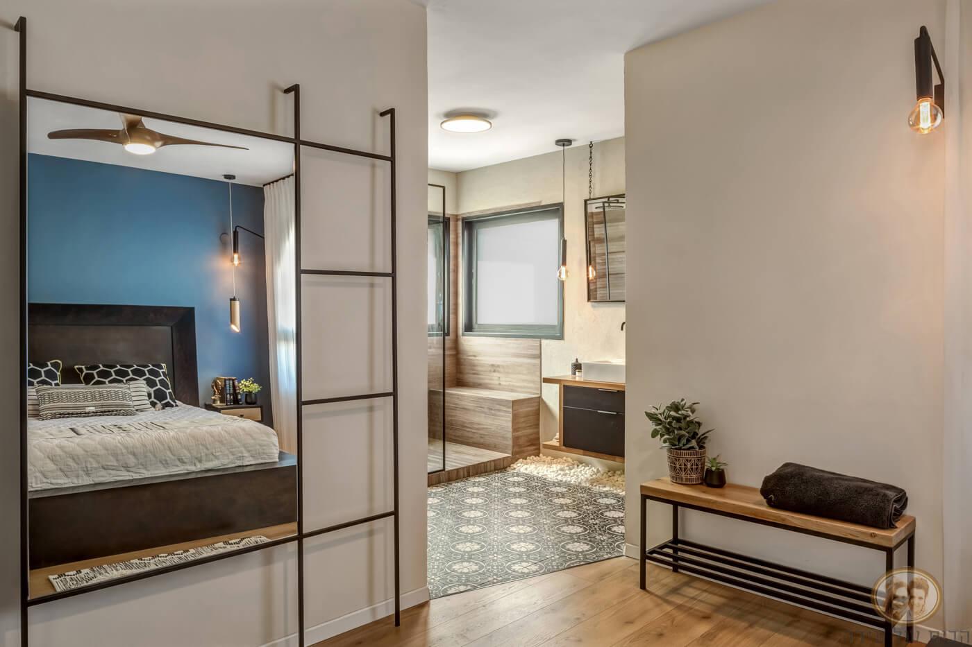 חדר רחצה פתוח בחדר שינה